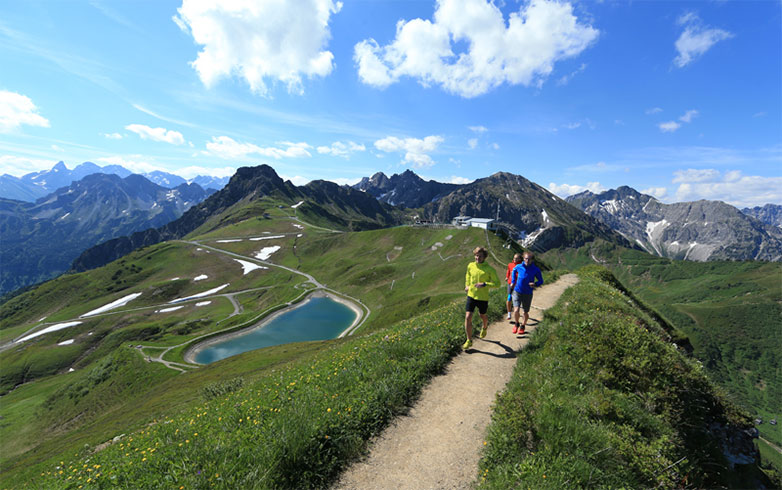 RUNNER'S WORLD Camp Trail-Special